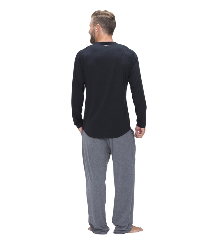 828 men longsleevecrew black back