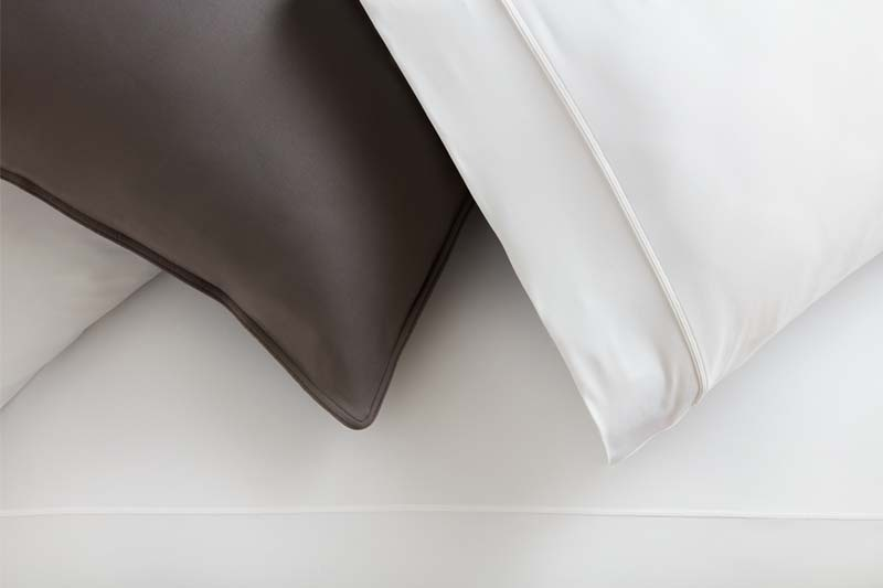 Stuidotech gray pillow