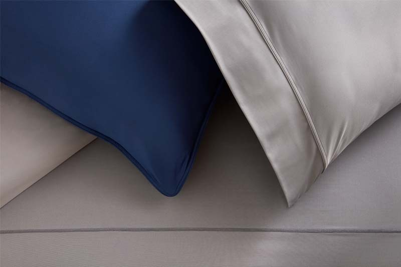 Studiotech navy pillow