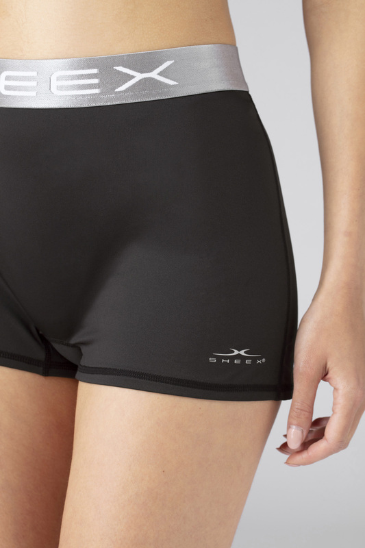 W boy short black v5 100024